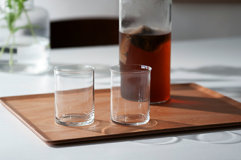 シンプルなデザインと透き通るようなガラスの薄さが特徴の、おしゃれなグラス