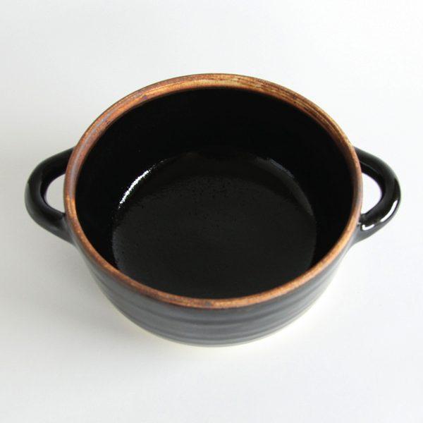 スープだけでなく、煮込み料理や蒸し料理などにも使える、おしゃれなスープポット