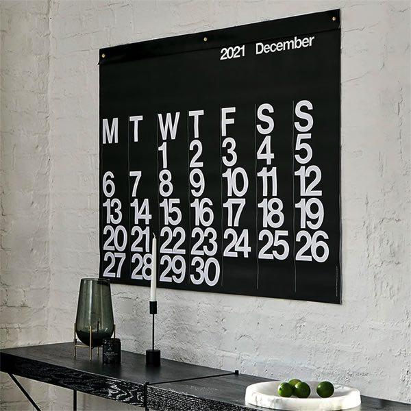 60年代グラフィックデザインの好例として世界中で愛され続けている、おしゃれな大きいカレンダー2021年版