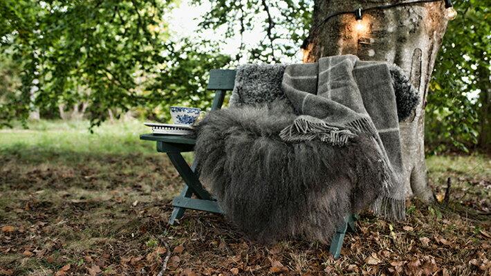 希少なゴットランドシープ毛を使用した、おしゃれな北欧のウールブランケット
