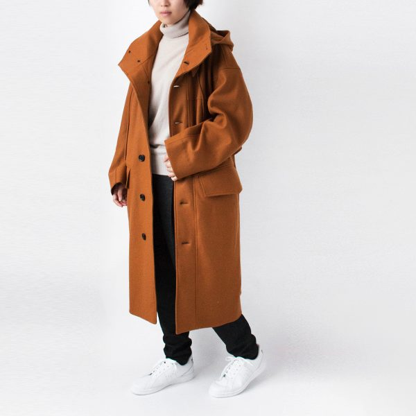 モッズコートとダッフルコート両方の雰囲気を取り入れた、おしゃれなコート