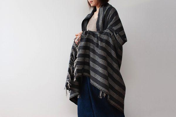 手紡ぎ・手織りが独特の魅力を持つ、おしゃれな大判ブランケット
