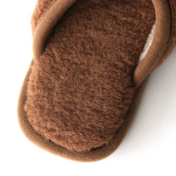 高品質な純ウールを使用した、暖かく汚れにくいおしゃれなスリッパ
