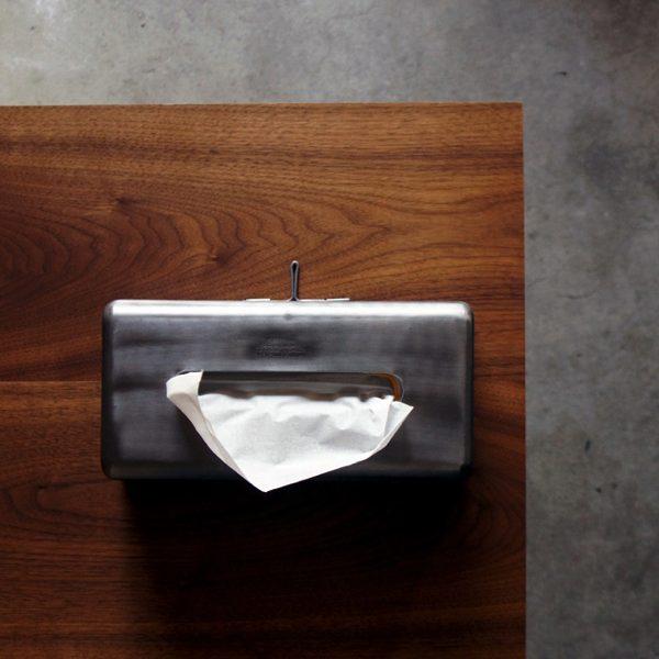 インテリアとしてもおすすめの、おしゃれなスチール製のティッシュボックスケース