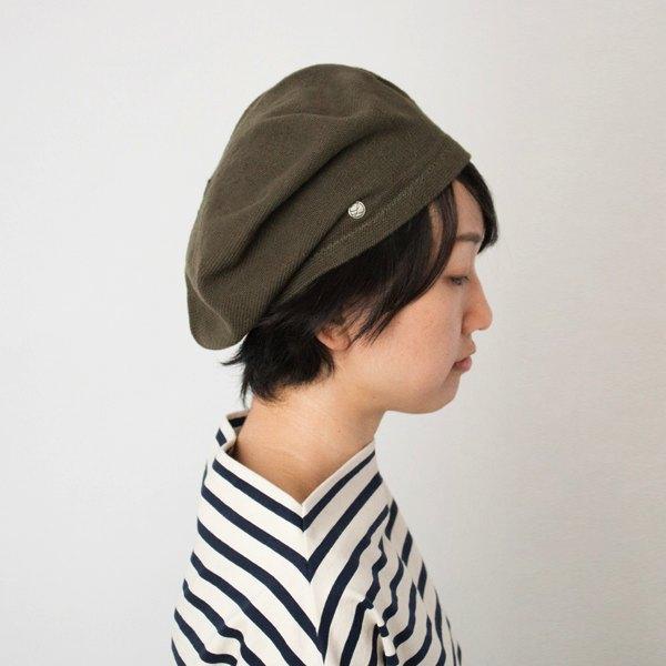 季節を問わない、おしゃれなコットンのベレー帽