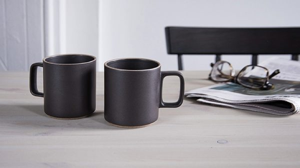 マットな質感と色彩が美しい、おしゃれなマグカップ