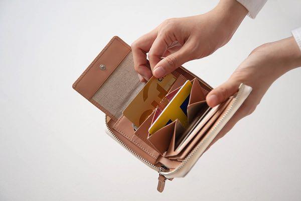驚きの構造と立体美が秘められた、抜群の収納力を持つおしゃれな財布