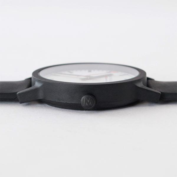 シンプルで飽きのこない普遍的なデザインの、おしゃれな腕時計