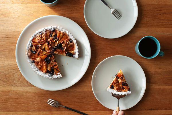 料理が引き立つ、シンプルで使い勝手の良いおしゃれなプレート