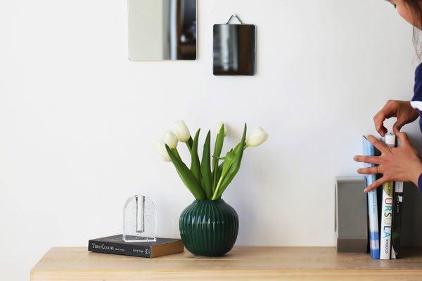 気品あふれるデザインと納得のクオリティーの、おしゃれな花瓶