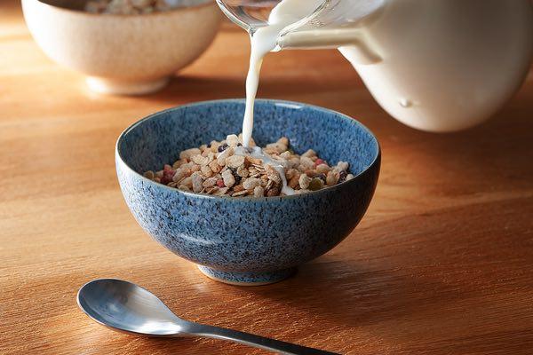 日本の「茶わん」を思わせる、おしゃれで万能な器