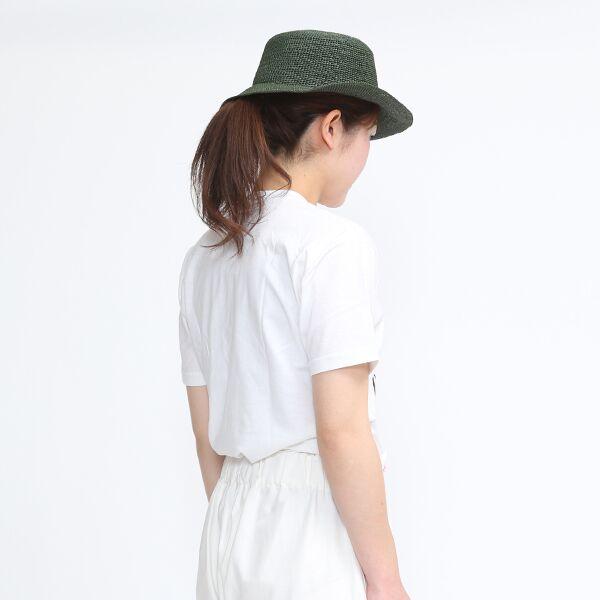 ファッションアイテムとしておすすめの、鮮やかカラーのおしゃれなパナマハット