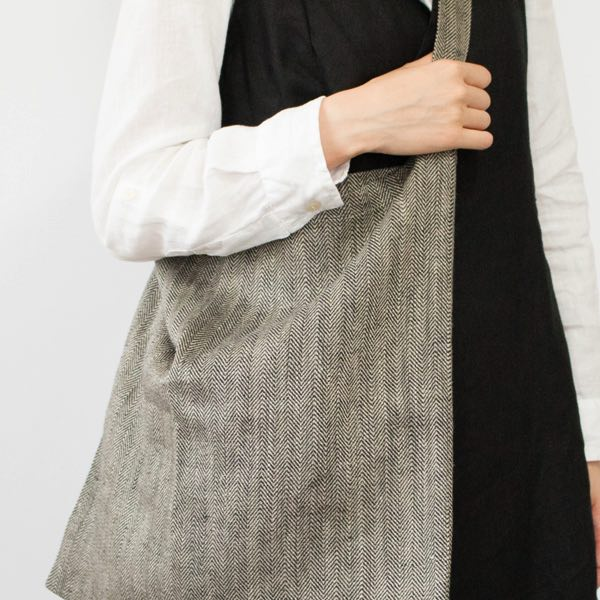 軽くてたっぷり入り、自宅で洗える、おしゃれな布製バッグ