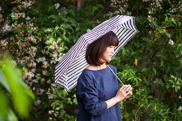 わずか17cmに折りたためる、軽くてコンパクトなおしゃれな折りたたみ傘