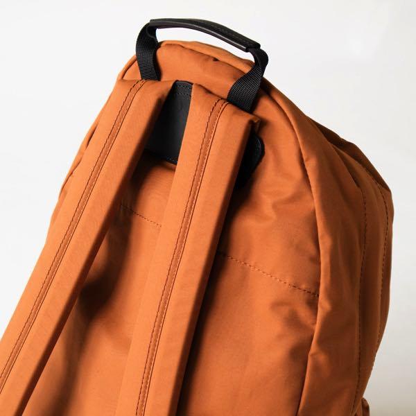 機能性とシンプルなデザインを追求した、おしゃれなバックパック