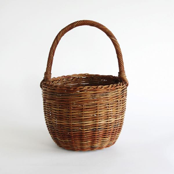 使い込むほどに風合いが生まれる、おしゃれな籠バッグ