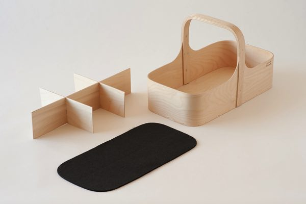 フィンランドで作られた美しい曲線デザインの、おしゃれな木製ツールボックス