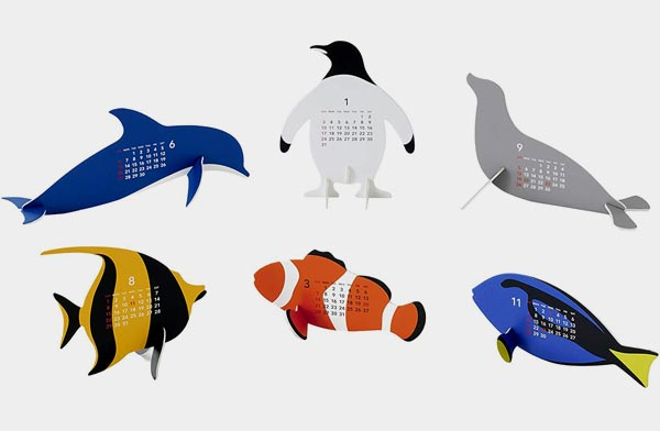 水族館の動物たちモチーフにした、おしゃれな卓上カレンダー2022年版