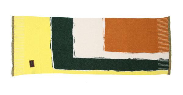 手描きのようなラインと、カラフルな色使いがおしゃれなストール