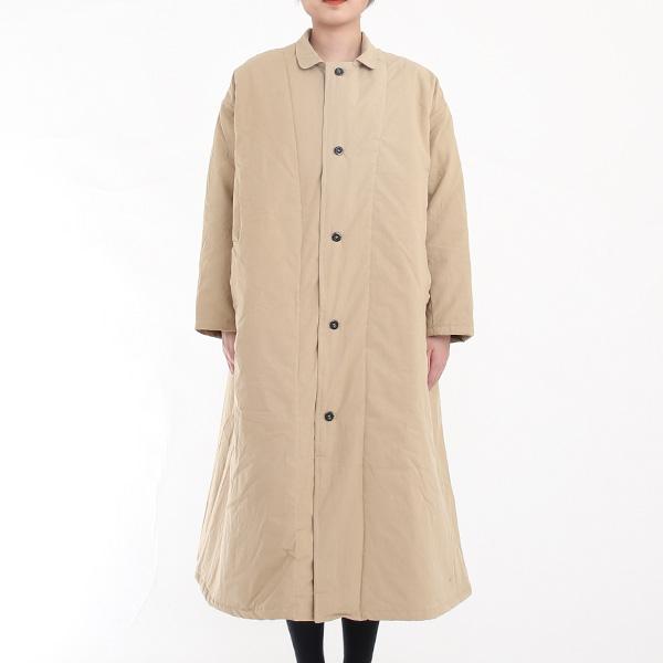 流行に左右されないデザインが魅力の、おしゃれな英国製コート