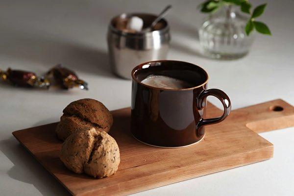 日々の定番品として愛用できる、コーヒーにぴったりのおしゃれなマグカップ