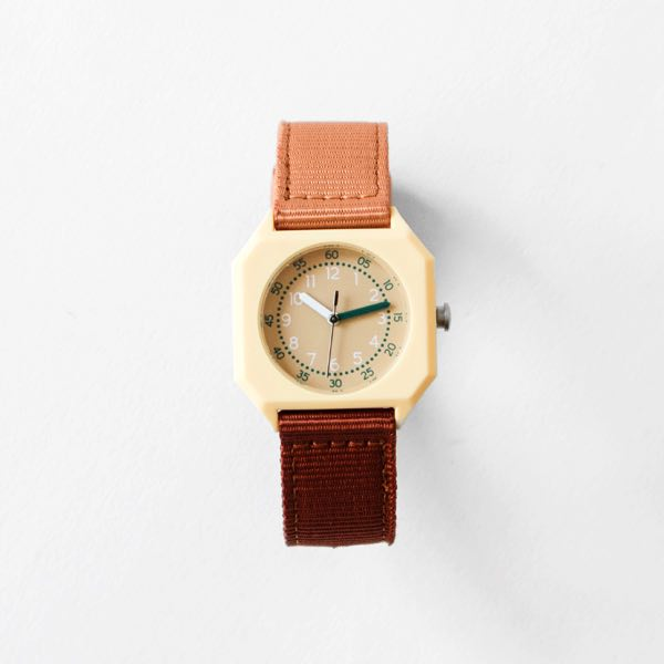 プレゼントにおすすめの、おしゃれなイタリア製の子供向け腕時計