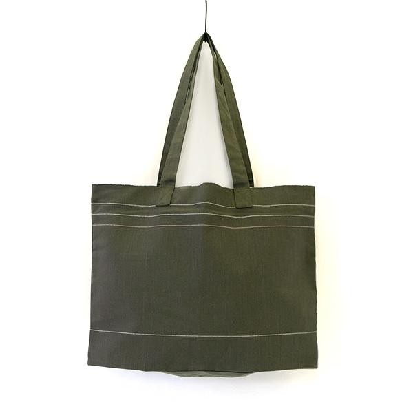 丈夫で気がねなくつかえる、シンプルでおしゃれな会津木綿のトートバッグ