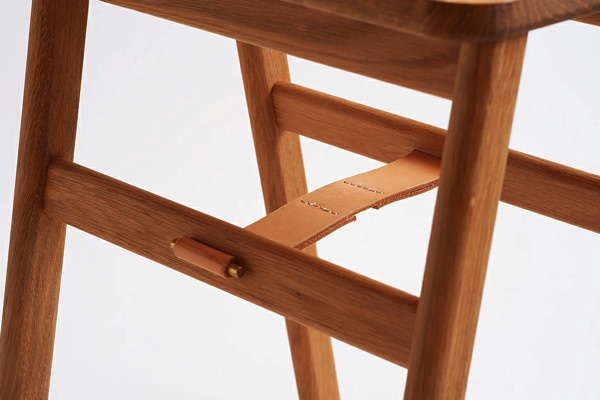 どんな空間にもマッチする、北欧のおしゃれな折りたたみ式スツール