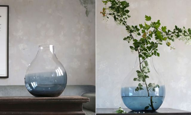2種類のガラスが美しく溶け合わさった、おしゃれなフラワーベース