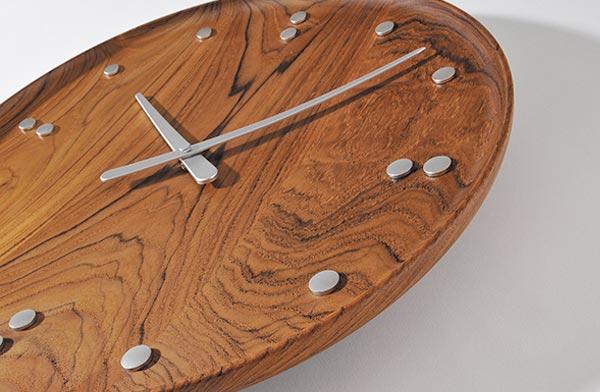 デンマークデザインの傑作と名高い、おしゃれな壁掛け時計