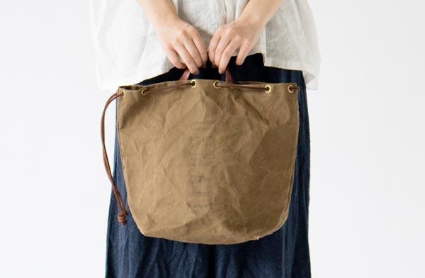 品格漂うヴィンテージのデザインがおしゃれなバッグ