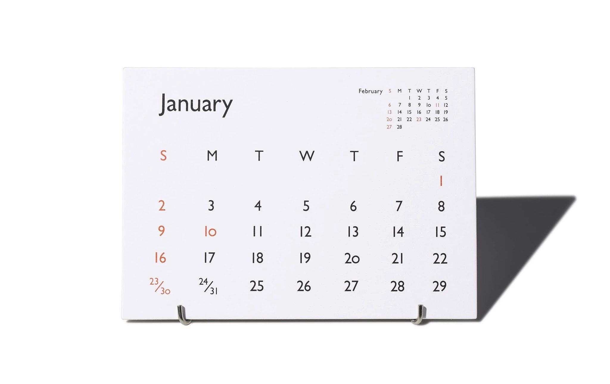 デスクやキッチンに置くのにおすめの、書体そのものの美しさを活かした卓上カレンダー2022年版