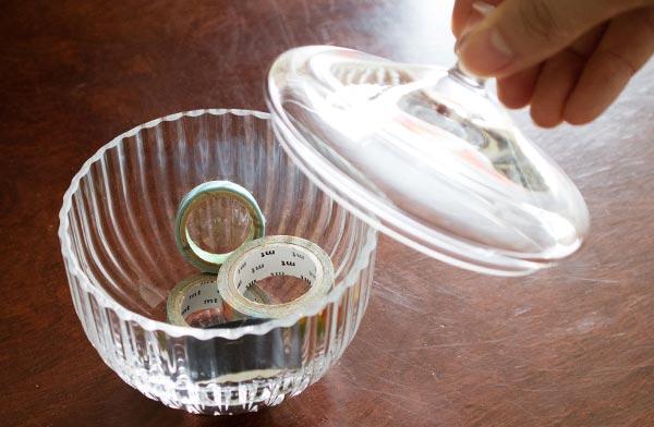 一目見るだけで美しいと感じさせる、おしゃれなガラスの菓子器