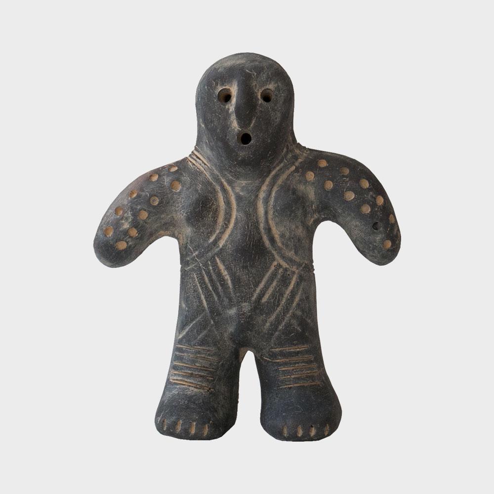 縄文好きにはたまらない、おしゃれな縄文時代の土偶のレプリカ
