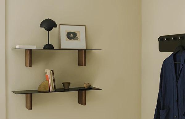 シックで愛らしいデザインがおしゃれなテーブルランプ