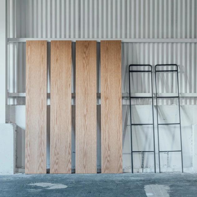 ショップやオフィスをおしゃれに演出できる、ハシゴ型のラック