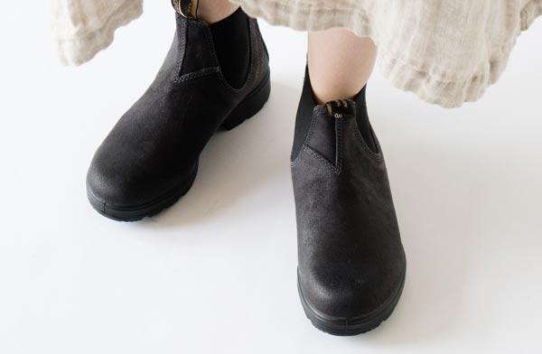 レザーシューズでありながら雨の日やアウトドアに使える、おしゃれなブーツ