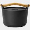 北欧デザインのおしゃれな鉄鍋